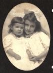 Helen and Carla Heisig around 1908.